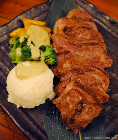 izakaya tataki japanese beef tuna salmon fish sashimi sushi steak kingfish wagyu mash potato