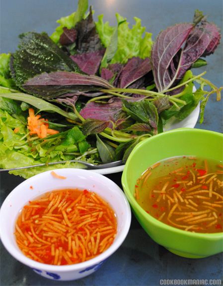Vietnamese cuisine fish sauce basil perilla mint cucumber carrot lettuce nem nuong wrap