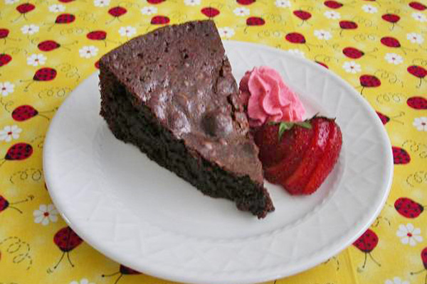Chocolate Brownie Cake with Fresh Strawberry Whipped Cream – Chocolate Lovers United